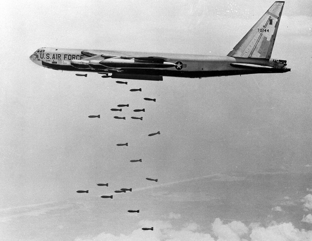 USAF Plane dropping bombs